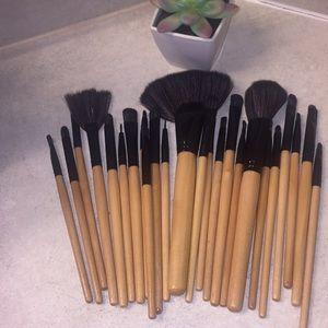 23 Makeup Brush Set